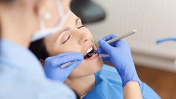 Dentiste spécialiste en parodontologie