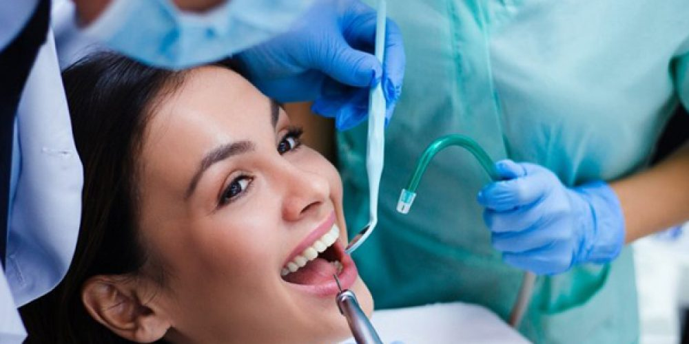 Contactez un chirurgien dentiste à Paris pour la prise de rendez vous en ligne
